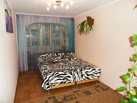 Двухкомнатная квартирапосуточно в Алуште, ул. Ялтинская, 9