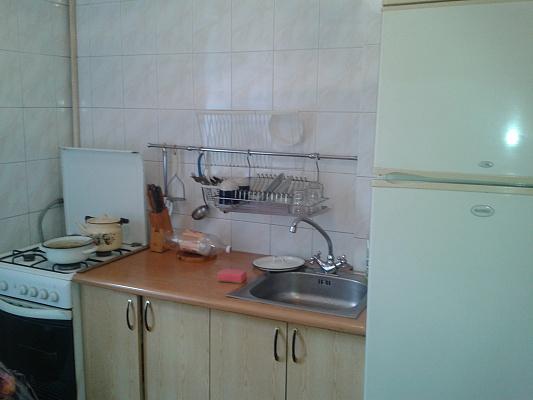 Однокомнатная квартирапосуточно в Алуште, ул. Ленина, 41