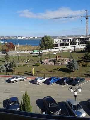 Однокомнатная квартирапосуточно в Керчи, ул. Кирова, 3