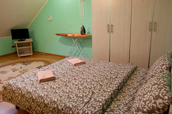 Двухкомнатная квартирапосуточно в Ужгороде, ул. Корзо, 8