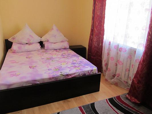 Пятикомнатная квартирапосуточно в Берегово, ул. Легоцкого, 51