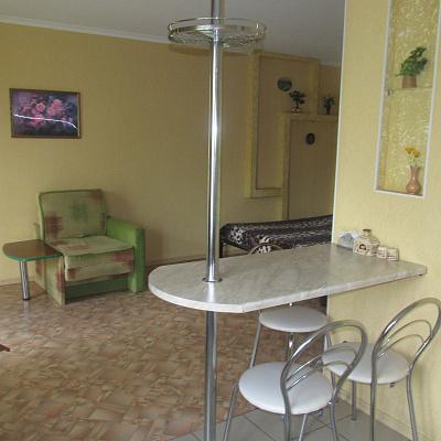 Однокомнатная квартирапосуточно в Святогорске, ул. Ивана Мазепы, 54