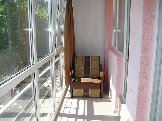 Двухкомнатная квартирапосуточно в Партените, ул. Прибрежная , 7