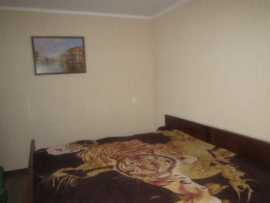 Однокомнатная квартирапосуточно в Артемовске (Бахмуте), ул. Горбатова, 23
