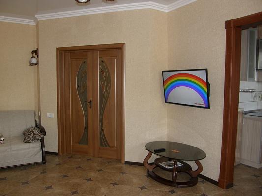 Однокомнатная квартирапосуточно в Алуште, ул. Октябрьская, 32