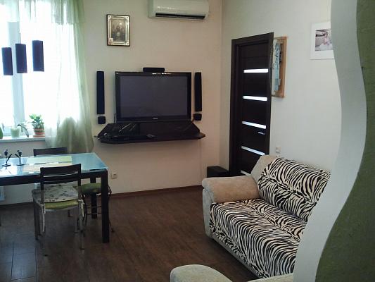 Трехкомнатная квартирапосуточно в Севастополе, Гагаринский район, ул. Юмашева, 4-Б