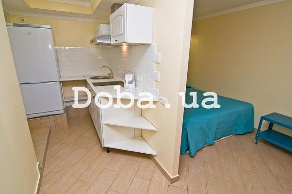 Однокомнатная квартирапосуточно в Феодосии, Черноморская набережная, 2