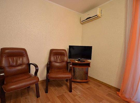 Однокомнатная квартирапосуточно в Николаеве, Заводской район, ул. Наваринская, 17А