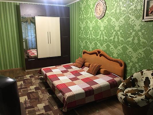 Однокомнатная квартирапосуточно в Днепре, Кировский район, пр-т Александра Поля, 91