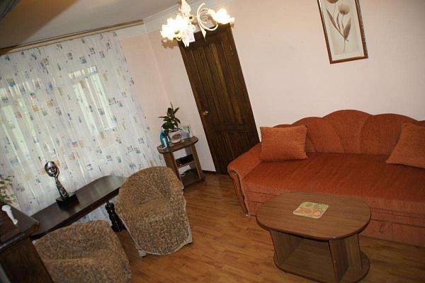 Двухкомнатная квартирапосуточно в Житомире, ул. Киевская, 66