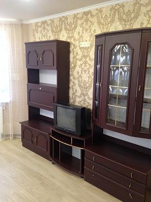 Трехкомнатная квартирапосуточно в Луцке, ул. Конякина, 17а