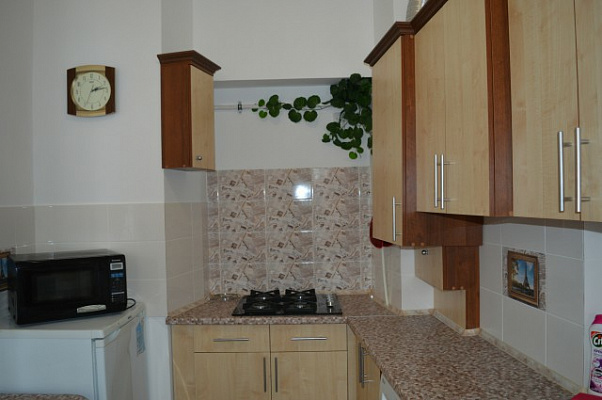 Однокомнатная квартирапосуточно в Евпатории, ул. Караева, 7