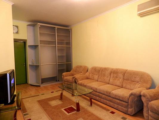 Двухкомнатная квартирапосуточно в Запорожье, Орджоникидзевский район, пр-т Соборный, 174а