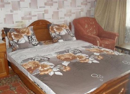 Однокомнатная квартирапосуточно в Керчи, ул. Марата, 11