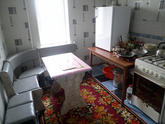 Двухкомнатная квартирапосуточно в Александрии, ул. 6 декабря, 91