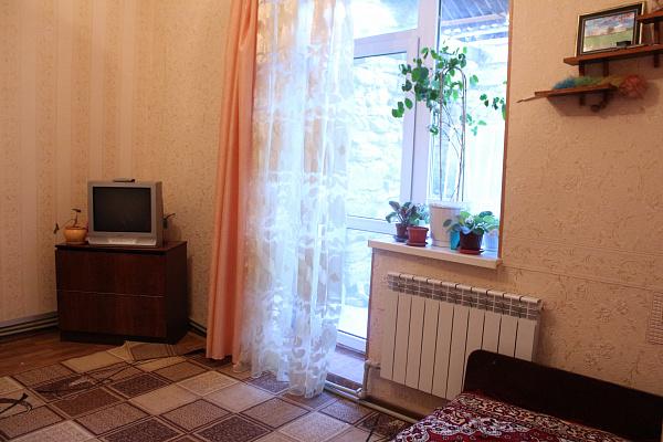 Однокомнатная квартирапосуточно в Феодосии, ул. Чехова, 11