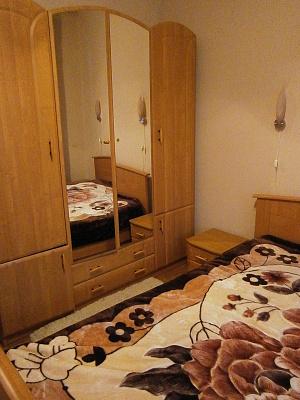 Двухкомнатная квартирапосуточно в Партените, ул. Солнечная, 13