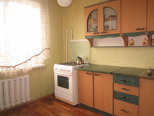 Двухкомнатная квартирапосуточно в Артемовске (Бахмуте), ул. Леваневского, 100