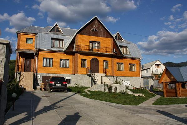 Дом посуточно в Межгорье, ул. Заводская, 25