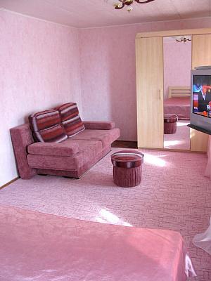 Двухкомнатная квартирапосуточно в Гурзуфе, ул. Подвойского, 9