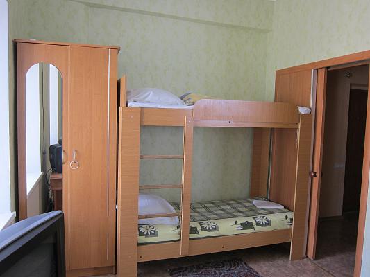 Однокомнатная квартирапосуточно в Евпатории, ул. Тучина, 6