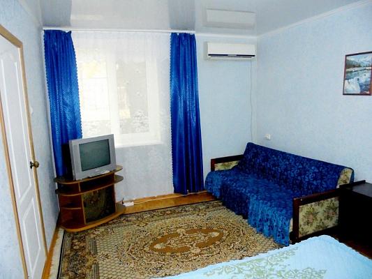Дом посуточно в Феодосии, пер. Военноморской, 7
