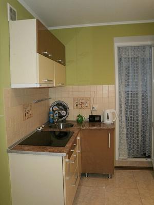 Однокомнатная квартирапосуточно в Керчи, ул. Генерала Петрова, 4