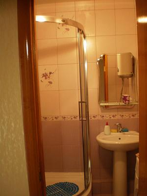 Двухкомнатная квартирапосуточно в Симферополе, Киевский район, ул. Воровского, 60