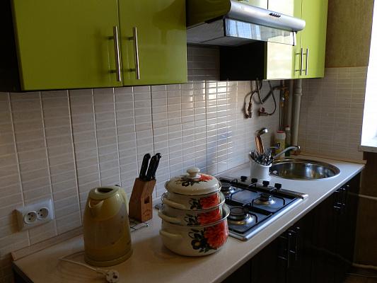 Двухкомнатная квартирапосуточно в Виннице, Замостянский район, пр-т Коцюбинского, 37