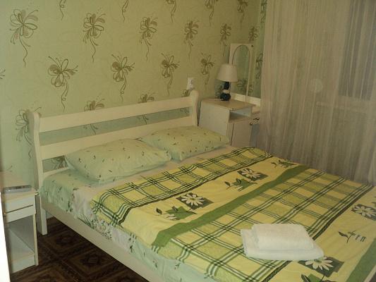 Двухкомнатная квартирапосуточно в Белой Церкви, ул. Курсовая, 3а