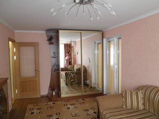 Однокомнатная квартирапосуточно в Алуште, ул. Виноградная, 16