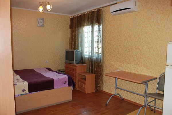 Однокомнатная квартирапосуточно в Ялте, ул. Спендеарова, 9