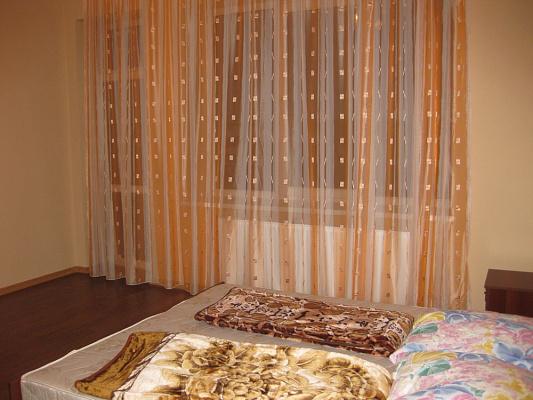 Пятикомнатная квартирапосуточно в Мукачево, ул. Ивана Паркания, 2а