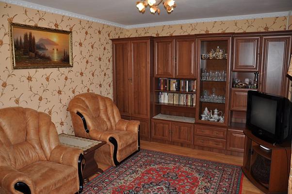Двухкомнатная квартирапосуточно в Партените, ул. Партенитская, 7