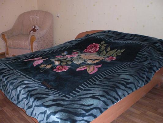 Однокомнатная квартирапосуточно в Феодосии, ул. Старшинова , 3