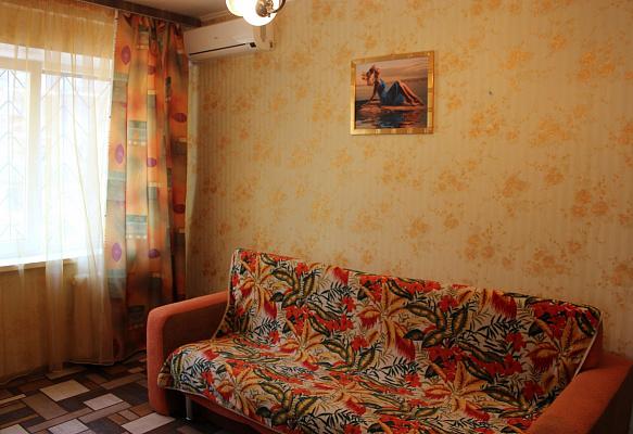 Двухкомнатная квартирапосуточно в Киеве, Соломенский район, ул. Соломенская, 19