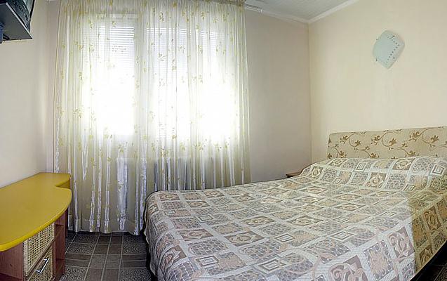 Однокомнатная квартирапосуточно в Поляне, ул. Курортная, 1А