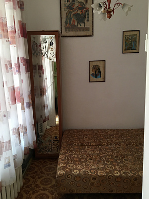 Однокомнатная квартирапосуточно в Феодосии, ул. Земская, 2
