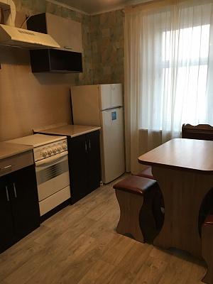 Однокомнатная квартирапосуточно в Черкассах, ул. Казацкая, 9