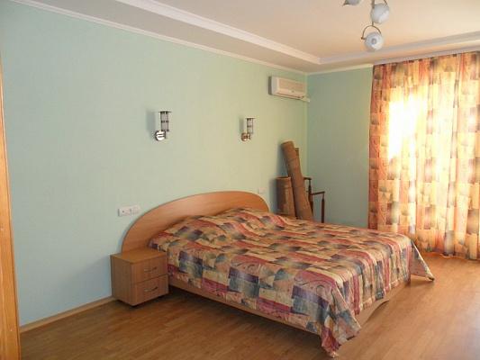 Мини-отель посуточно в Алупке, ул. Ленина, 35б