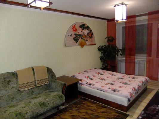 Двухкомнатная квартирапосуточно в Изюме, пр-т Независимости, 29