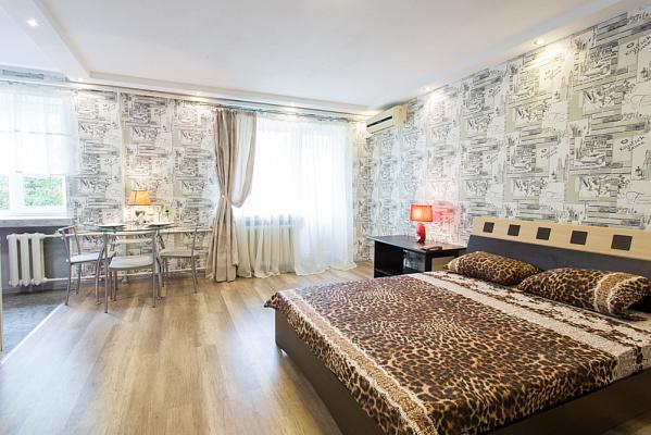 Однокомнатная квартирапосуточно в Харькове, Дзержинский район, ул. Отакара Яроша, 41
