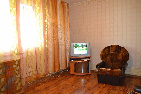 Трехкомнатная квартирапосуточно в Сергеевке, ул. Школьная, 3