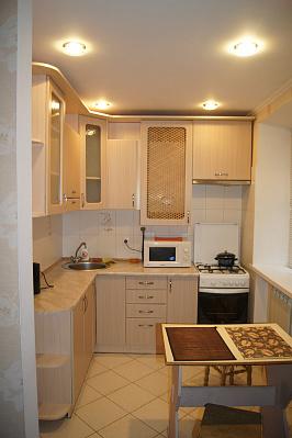 Двухкомнатная квартирапосуточно в Житомире, ул. Михаила Грушевского, 78
