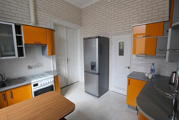 Двухкомнатная квартирапосуточно в Львове, Лычаковский район, ул. Ивана Франко, 15