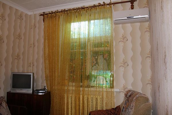 Однокомнатная квартирапосуточно в Севастополе, Гагаринский район, ул. Октябрьская, 10