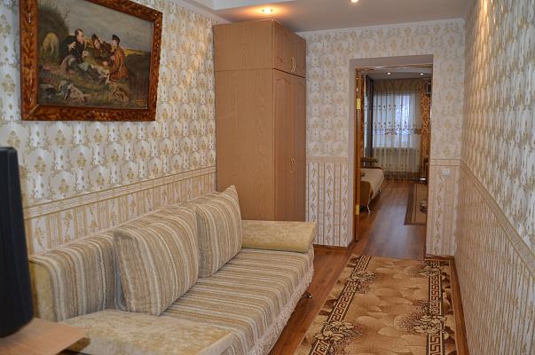 Двухкомнатная квартирапосуточно в Бердичеве, ул. Урицкого, 10А