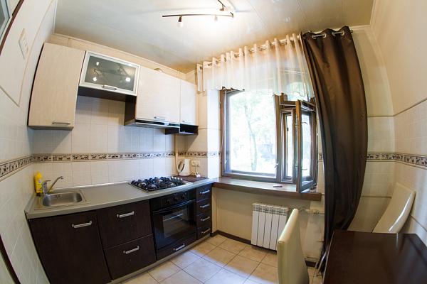 Двухкомнатная квартирапосуточно в Харькове, Октябрьский район, ул. Полтавский шлях, 155А