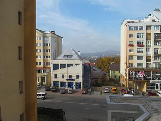 Однокомнатная квартирапосуточно в Черновцах, Шевченковский район, ул. Героев Майдана, 43