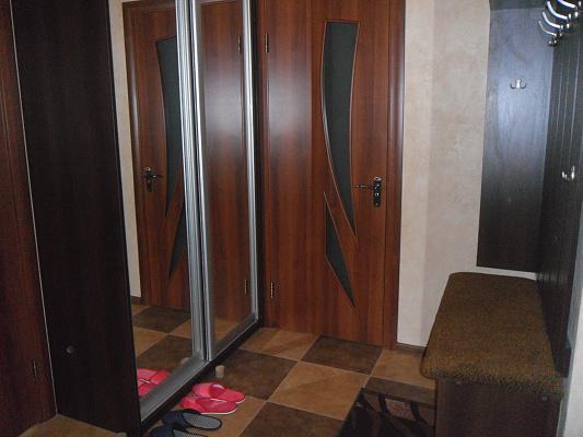 Однокомнатная квартирапосуточно в Луцке, ул. Ветеранов, 22
